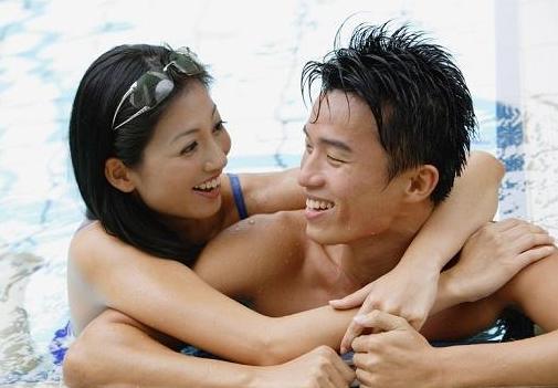 Benarkah Berenang Bersama